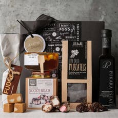 Gourmet <b>Basket</b> Artisan Treats